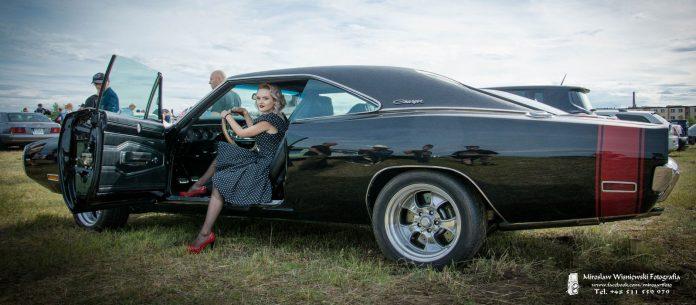 Dziewczyny na American Cars Mania 2017